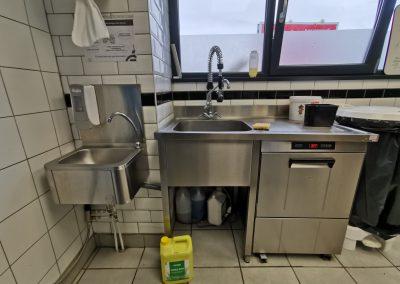 Lave vaisselle de Mine Burger